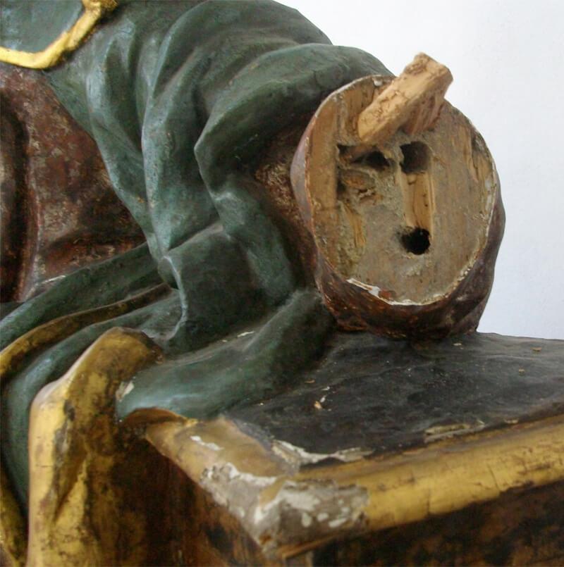 Restauro Statua Antica Particolare rotto