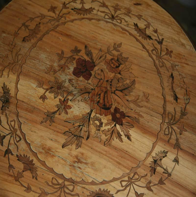 Restauro tavolino intarsiato fine 800